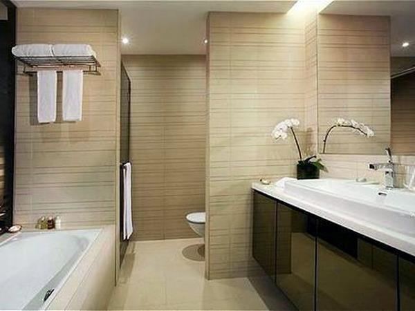 luxury-bathroom-reno1-600x450